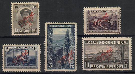 LUXEMBOURG 1922 Official. Set of 5. Overprints in red. - 26233 - Mint