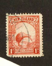 NEW ZEALAND 1935 Pictorial 1d Red. Perf 13.5 x 14. Blunt corner. - 74682 - Used